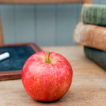 Teachers-apple-on-a-desk--007